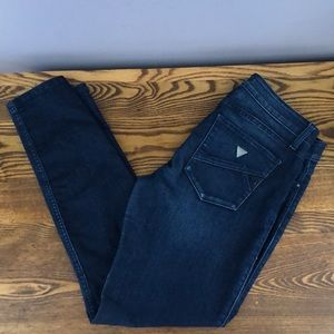 Guess 30 lowrise skinny jeans